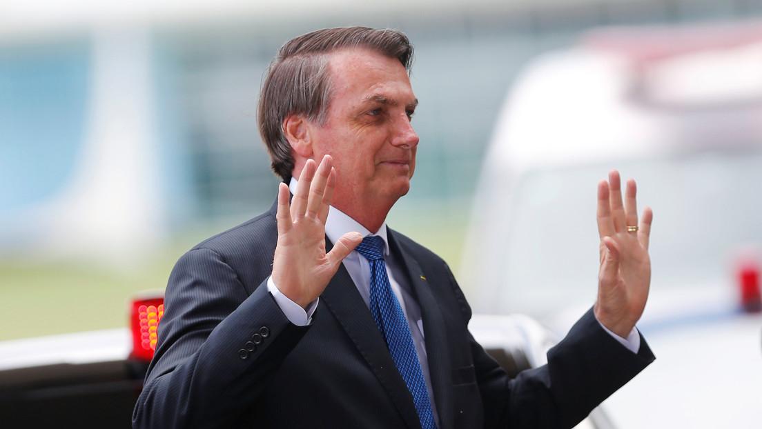 """La curiosa 'razón' por la que Bolsonaro pide que """"no lo agredan"""" en redes sociales"""
