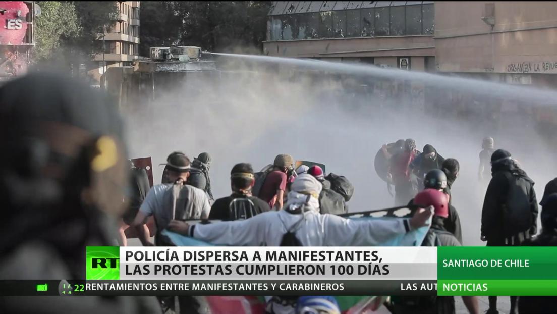 Se cumplen 100 días de protestas en Chile y la Policía dispersa a los manifestantes