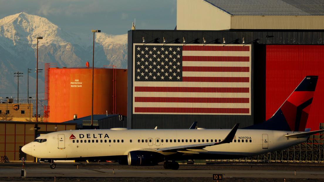 Delta Airlines deberá pagar una multa de 50.000 dólares por expulsar a tres pasajeros musulmanes de sus vuelos