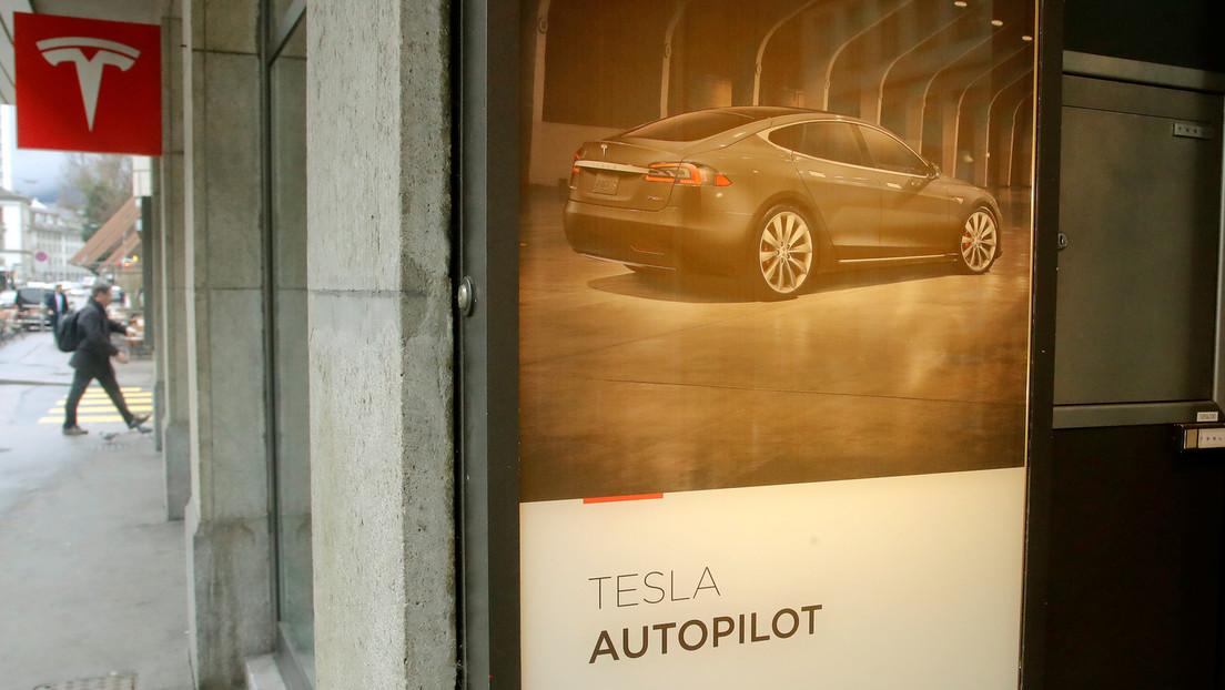 Un senador de EE.UU. exige a Tesla cambie el nombre de 'piloto automático'