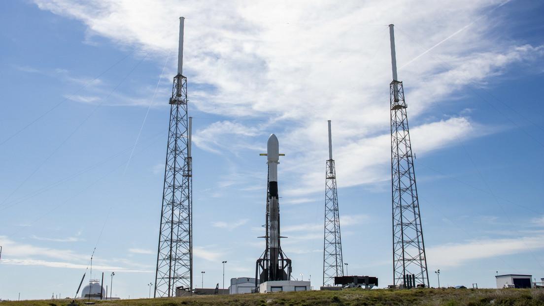 SpaceX lanzará al espacio 60 nuevos satélites Starlink con un día de retraso