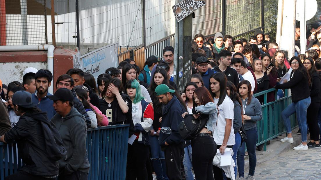 24 detenidos en una nueva jornada de protestas contra los exámenes de admisión universitaria de Chile