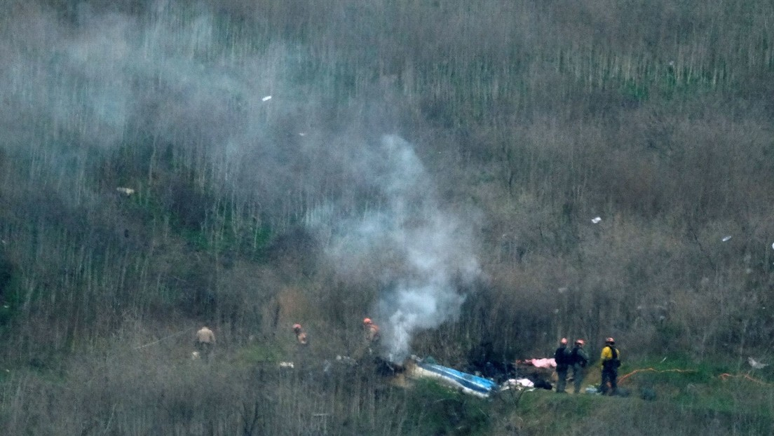 Recuperan tres cuerpos del sitio del accidente de helicóptero en que murió Kobe Bryant