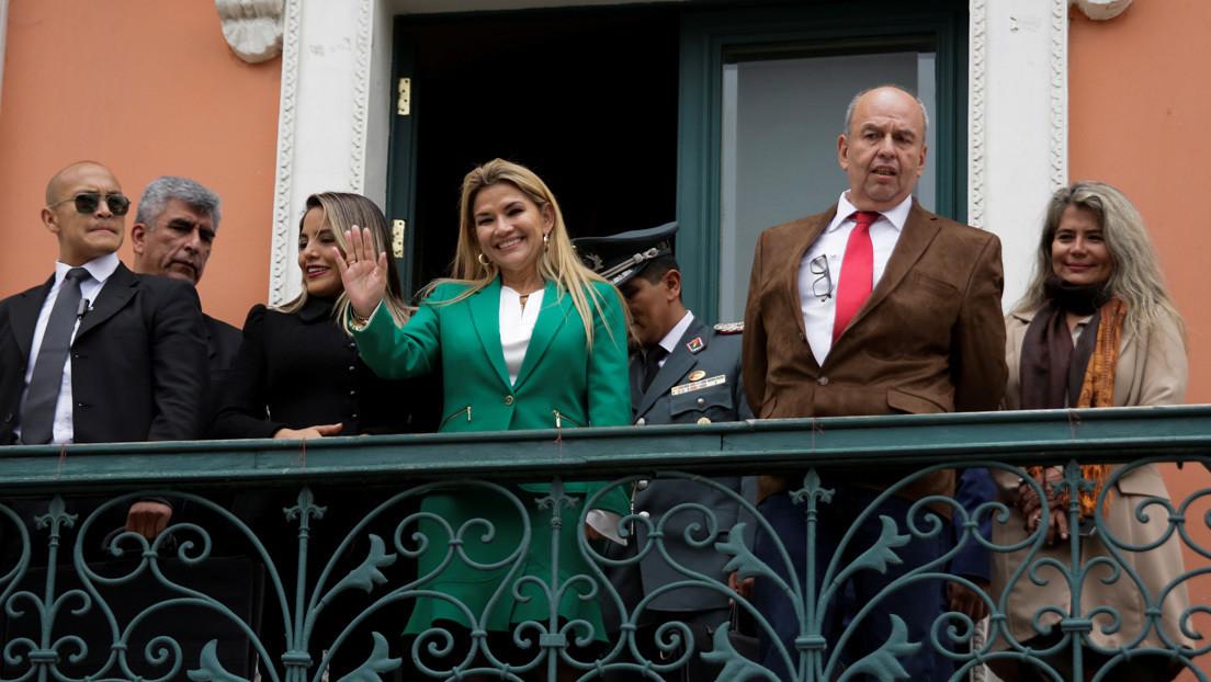 Ministros del Gobierno de facto de Bolivia presentan renuncia colectiva tras solicitud de Jeanine Áñez