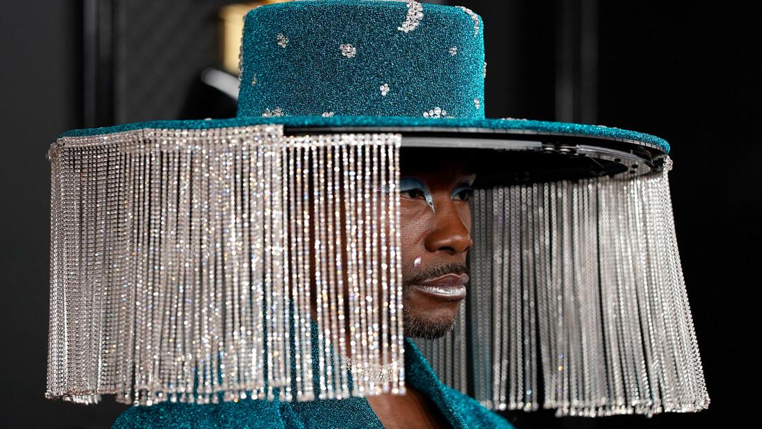 El actor Billy Porter aparece en la alfombra roja con un sombrero que se abre y cierra como una cortina y la Red explota