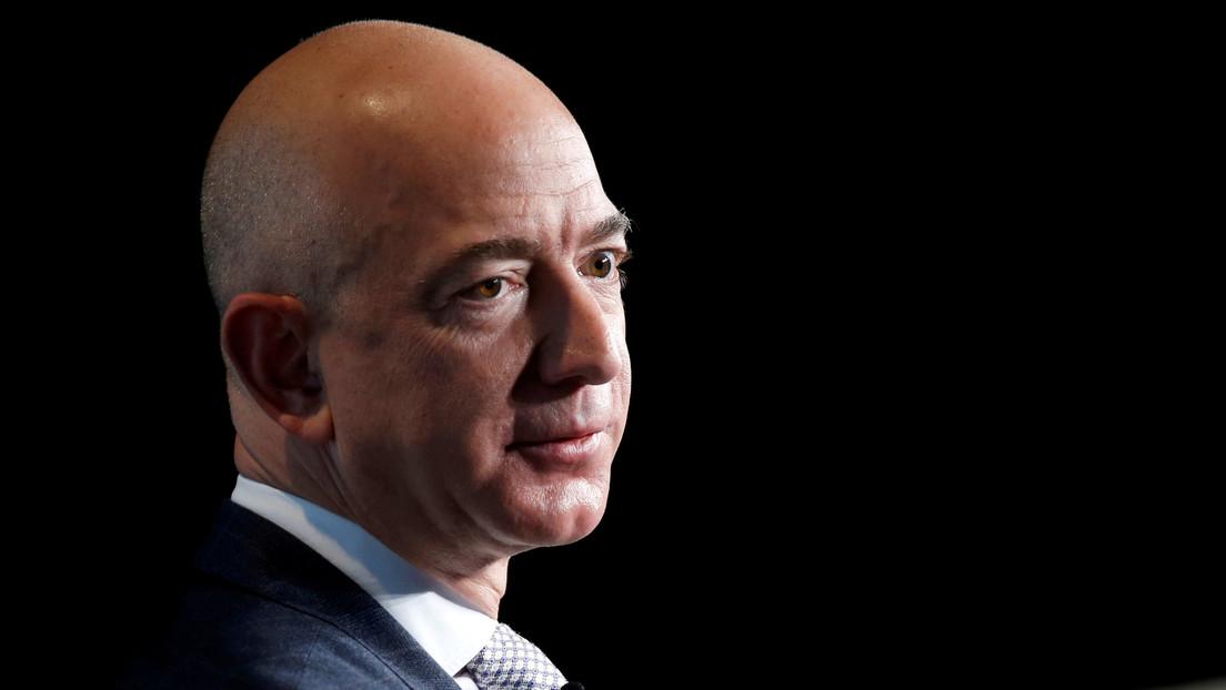 El presunto 'hackeo' del 'smartphone' de Jeff Bezos habría sido posible debido a que usaba un iPhone y no un teléfono con Android