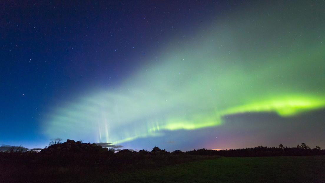 VIDEO: Las brillantes 'dunas' verdes detectadas en Finlandia son en realidad un nuevo tipo de aurora
