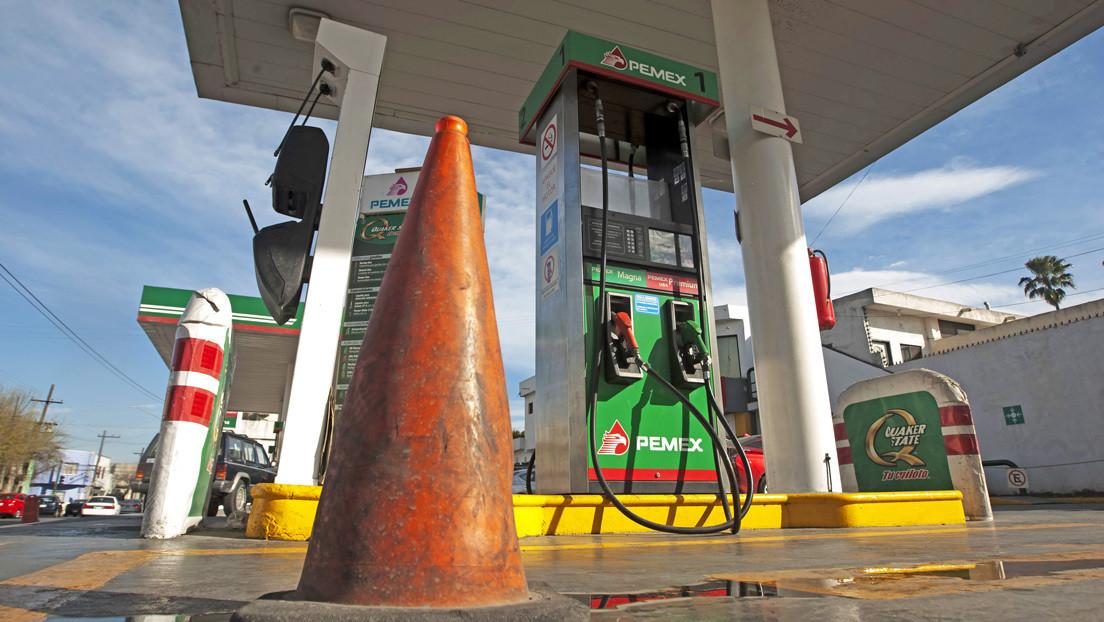 Qué son los 'gusanos', los dispositivos para estafar a clientes en gasolineras de México