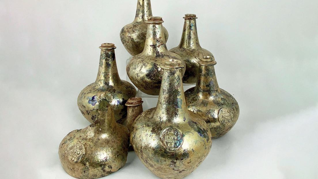 Hallan en Reino Unido unas inusuales botellas doradas de vino de más de 300 años que podrían valer cerca de 30.000 dólares