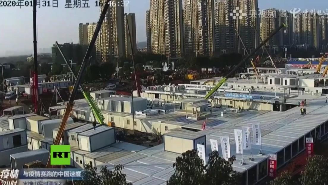 VIDEO: Construcción contrarreloj de dos hospitales en Wuhan para pacientes infectados por el сoronavirus