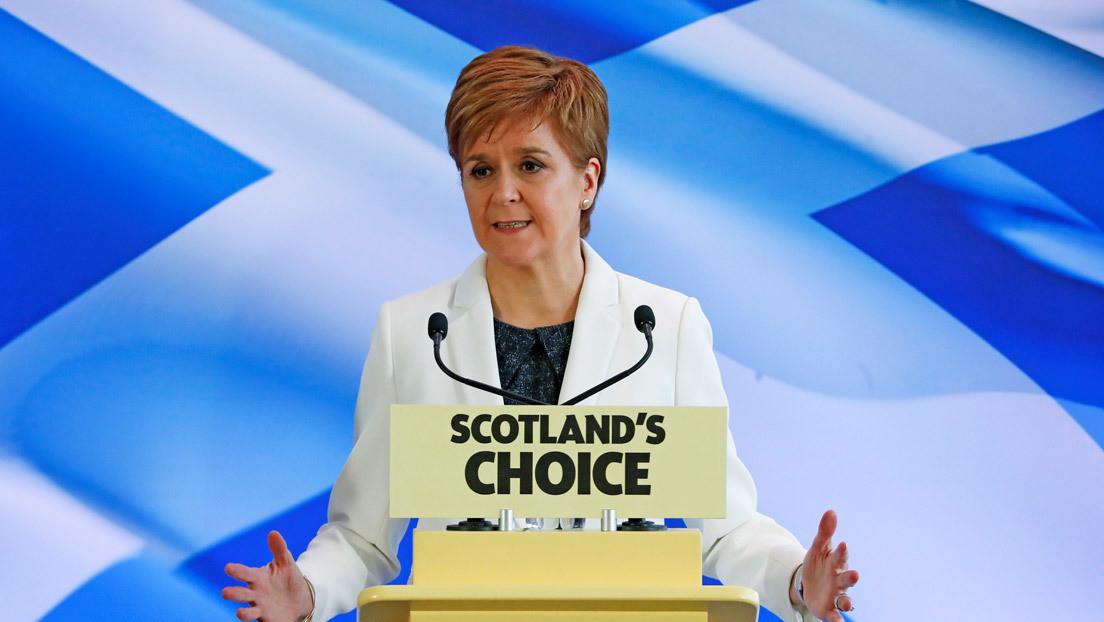 """La ministra principal de Escocia afirma que """"es posible"""" celebrar un referéndum de independencia este año """"legal y vinculante"""""""