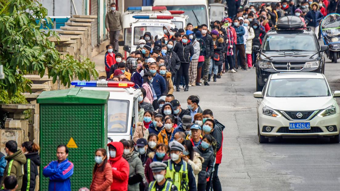 Colombia rectifica: correrá con los gastos de sus ciudadanos que quieran salir de Wuhan y no rifará 7 cupos