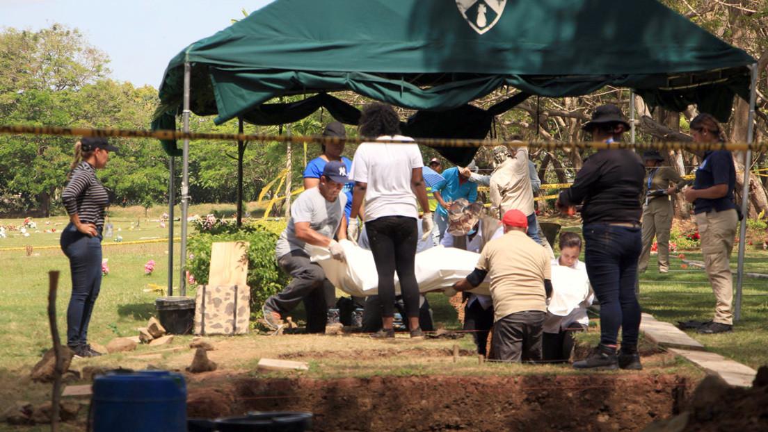 Extraen los primeros restos en las nuevas exhumaciones en Panamá para identificar a las víctimas de la invasión de EE.UU.
