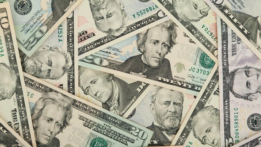 El misterio de los 10.000 dólares que aparecieron en el despacho de un exfuncionario macrista en Argentina