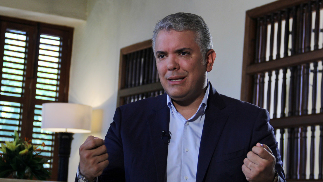 """Duque remueve a la ministra del Interior que calificó de """"semifallido"""" el proceso de paz en Colombia"""