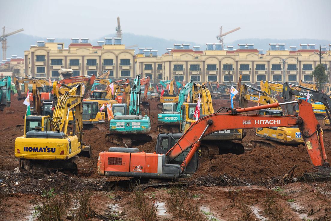 Un hospital de 1.000 camas en seis días: China construye en tiempo récord un centro para tratar el coronavirus (VIDEO, FOTOS)