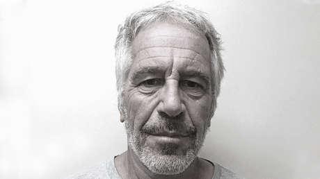 VIDEO: Imágenes de la autopsia y la celda de Jeffrey Epstein podrían demostrar que no se suicidó
