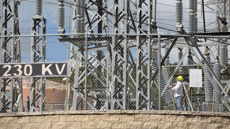 """Importante planta eléctrica de Puerto Rico afectada por el terremoto podría tardar """"más de un año"""" en reactivarse"""