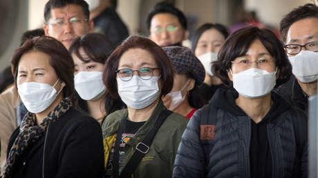 Confirman el primer caso de contagio de coronavirus de persona a persona en EE.UU.