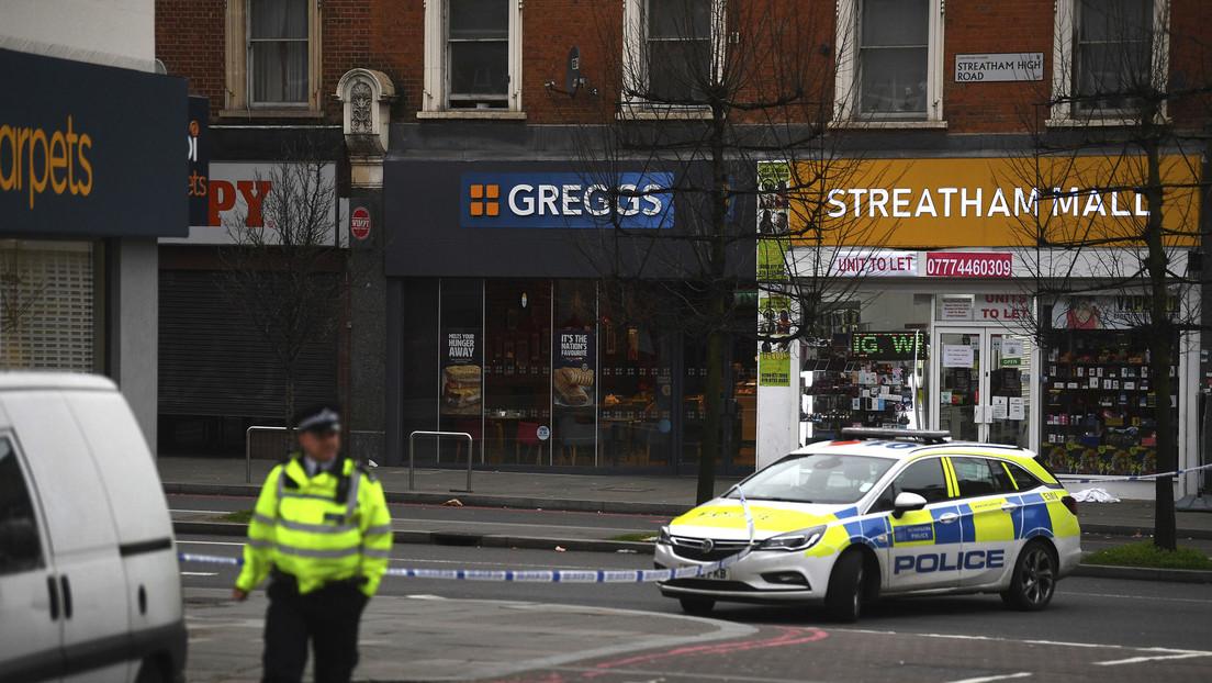 Un hombre ataca con cuchillo a varias personas en un acto terrorista en Londres
