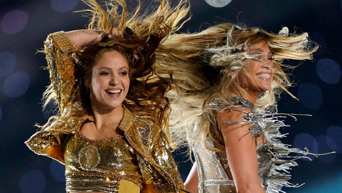 """VIDEO, FOTOS: Shakira y JLo aportan magia latina a la Super Bowl y la Red explota elogiando su """"inspiradora"""" actuación"""