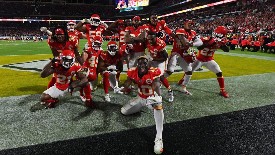 Los Kansas City Chiefs se alzan con la Super Bowl por primera vez en medio siglo