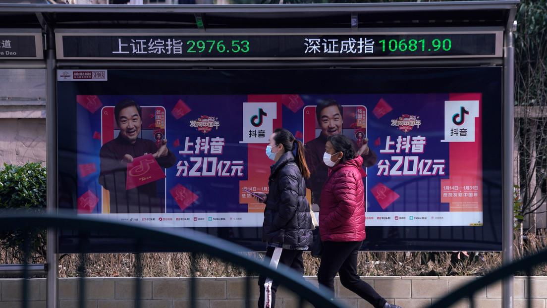 La Bolsa de China se hunde en medio de la propagación del coronavirus