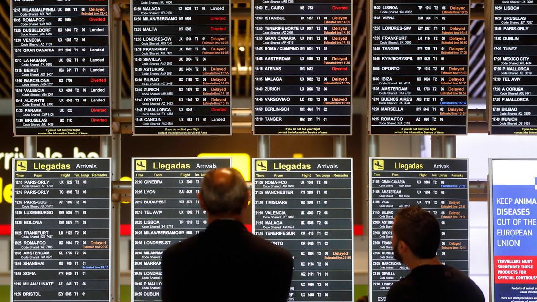 """""""Les pedimos mucha calma"""": El comandante del avión de Air Canada comunica a los pasajeros el aterrizaje de emergencia en Madrid"""