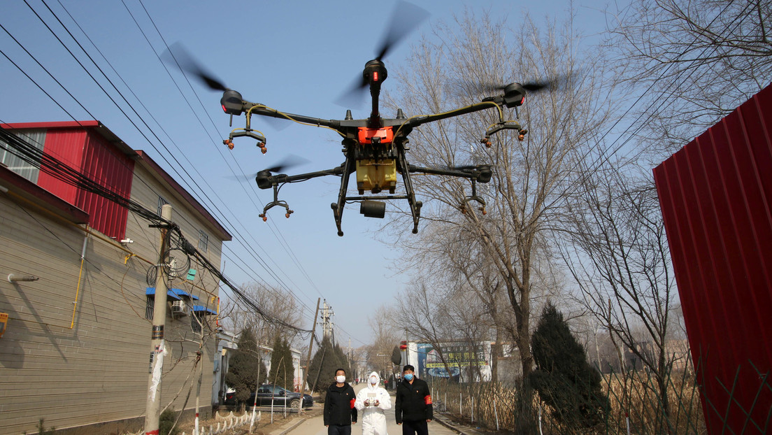 VIDEO: Drones rocían desinfectante en ciudades chinas en medio de la lucha contra el coronavirus