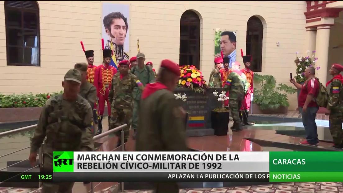 Marchan en conmemoración de la rebelión cívico-militar de 1992 en Venezuela