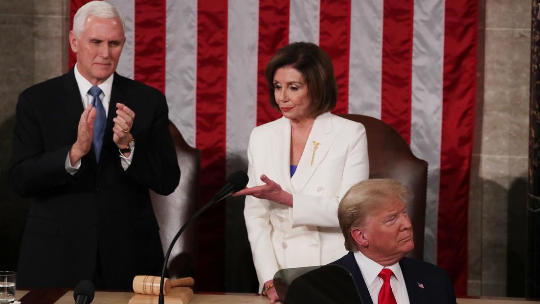 El incómodo momento en el que Trump evita darle la mano a Nancy Pelosi (VIDEO)