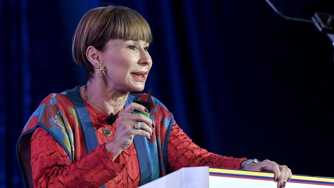 """Una ministra colombiana revela que estudian una reforma para contratar """"por horas"""" y reaviva la polémica sobre la precariedad laboral"""