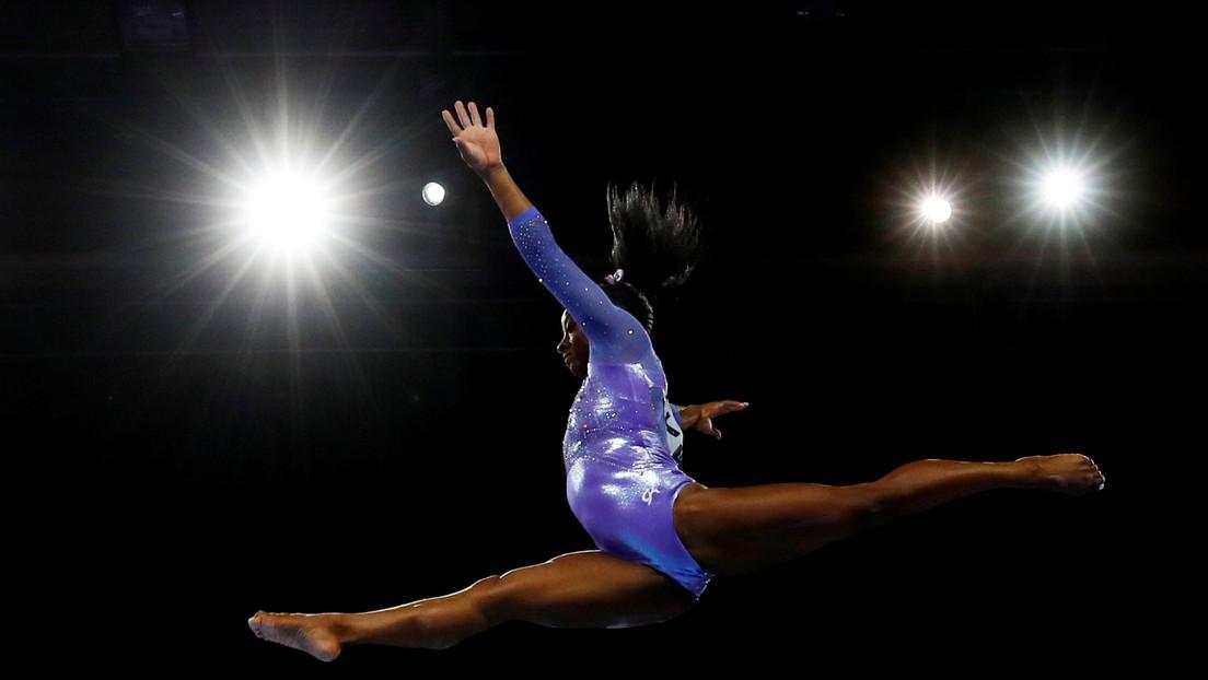 VIDEO: La gimnasta Simone Biles realiza un sorprendente salto nunca antes ejecutado por una mujer