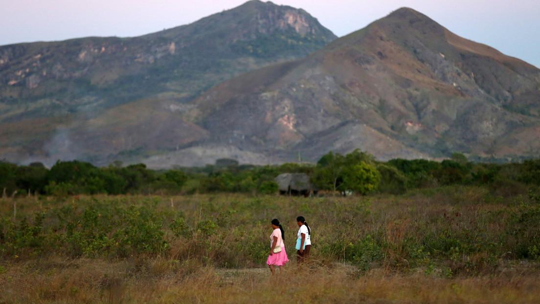 En qué consiste el polémico proyecto firmado por Bolsonaro que permite explotar las reservas indígenas