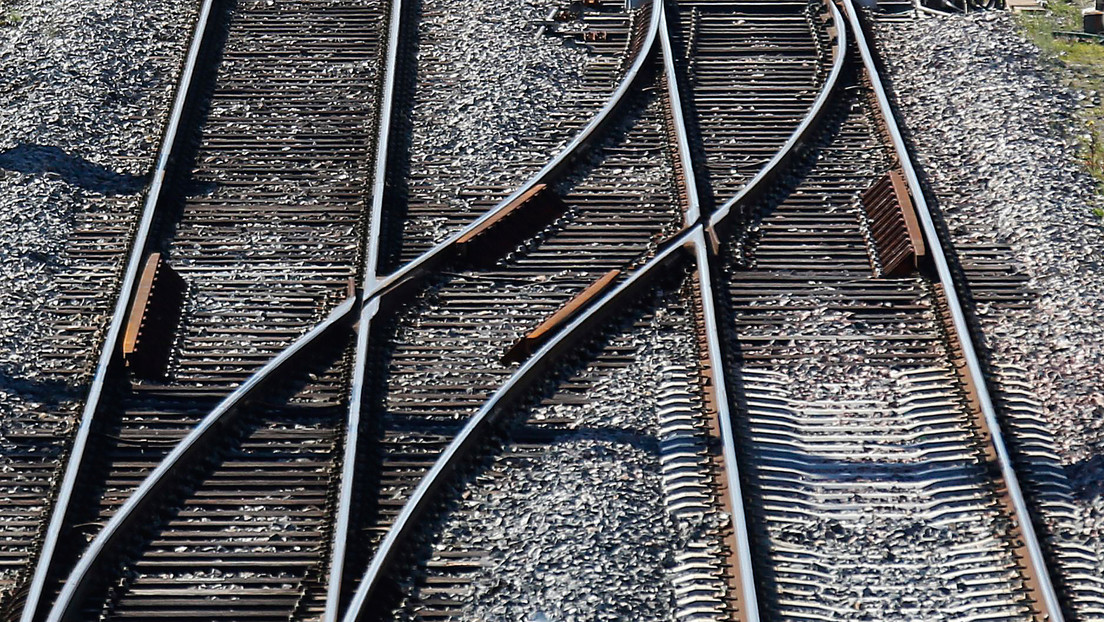 ¿Cambia la velocidad del tren? Una nueva ilusión óptica se viraliza en la Red (VIDEOS)