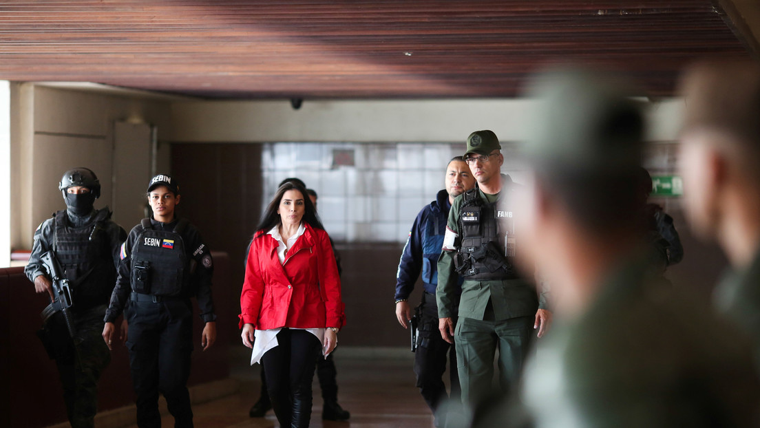 """Excongresista fugada de Colombia se declara """"perseguida política"""" de Iván Duque tras su captura en Venezuela"""