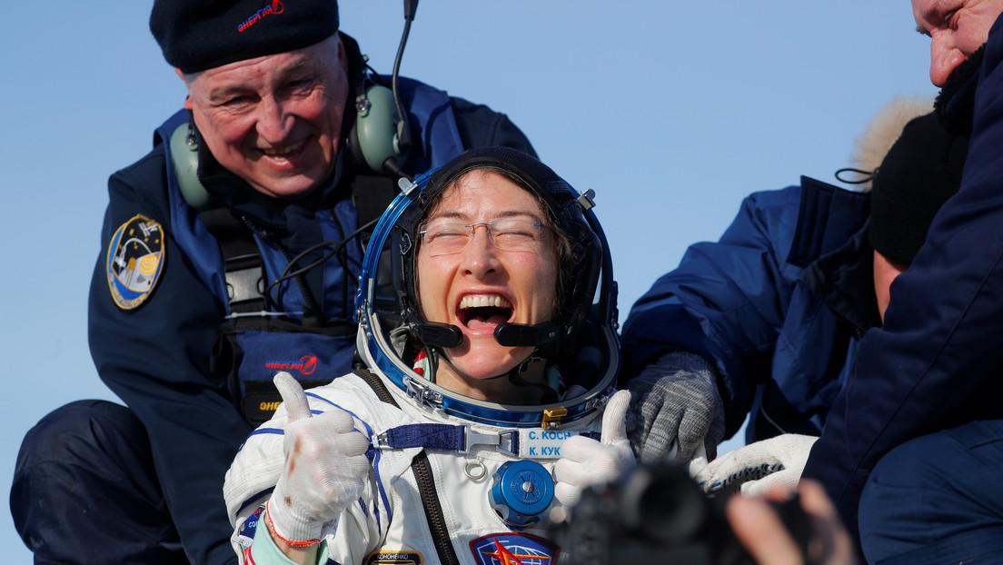 Regresa a la Tierra la astronauta Christina Koch, la mujer que más tiempo permaneció en el espacio