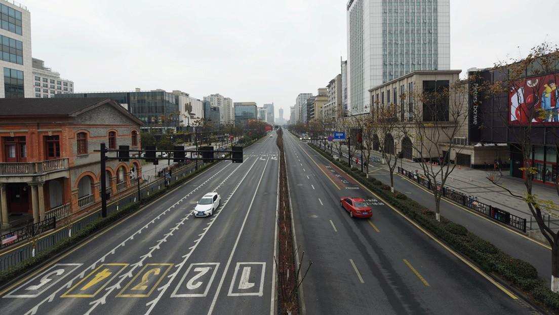 Prohibidos los funerales, no salga de casa sin 'pasaporte': así se vive bajo cuarentena en la provincia china de Zhejiang