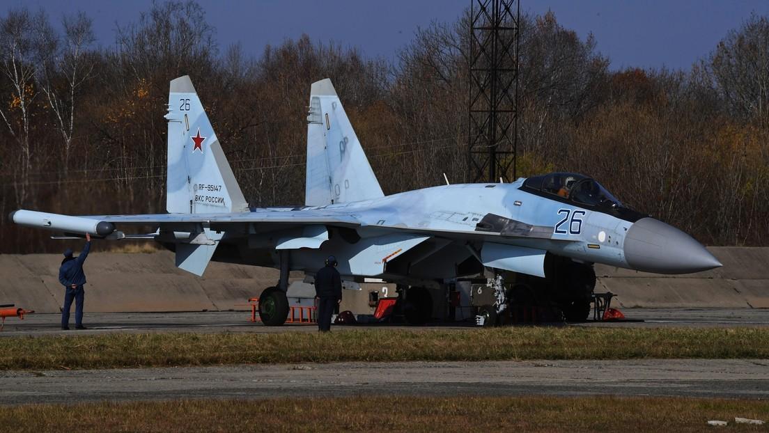 VIDEO: Pilotos de cazabombarderos rusos Su-35S entrenan como si hubiera una tormenta de nieve