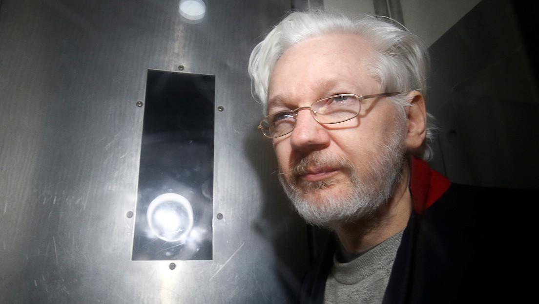 Declara a petición propia el principal acusado por el espionaje a Julian Assange