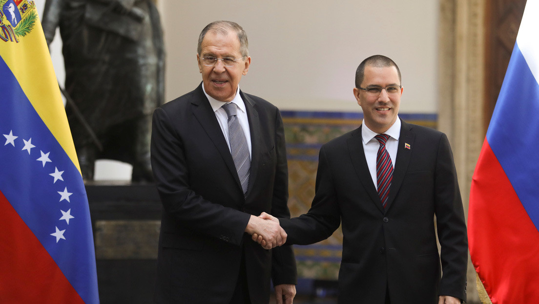 Lavrov inicia su visita a Venezuela con una reunión con el canciller Arreaza