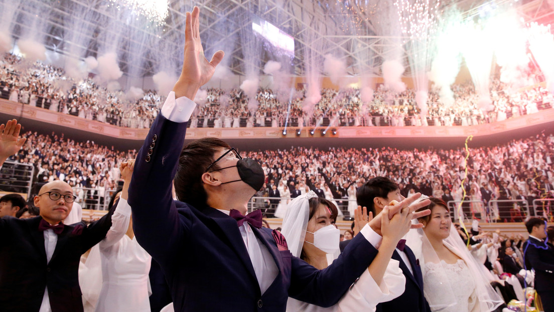 FOTOS: 6.000 parejas celebran un matrimonio colectivo en Corea del Sur a pesar del coronavirus