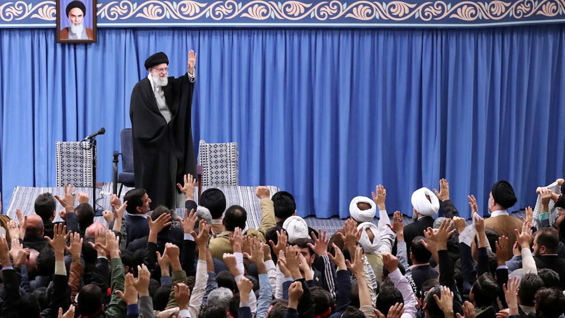 """El líder supremo de Irán tilda las sanciones de EE.UU. de """"acto criminal"""""""