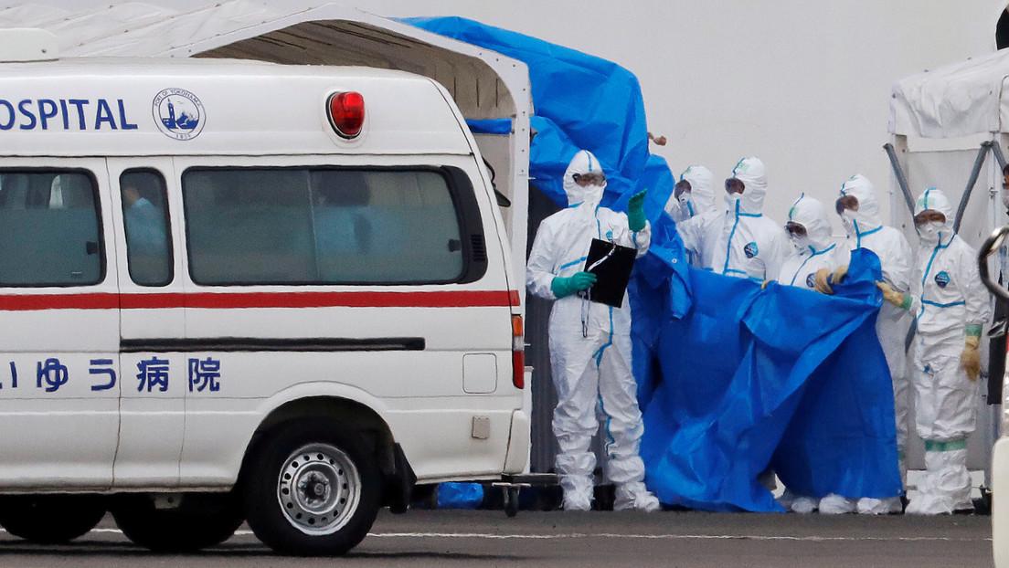 El número de muertes por el coronavirus ya supera las del SARS y alcanza más de 800 víctimas