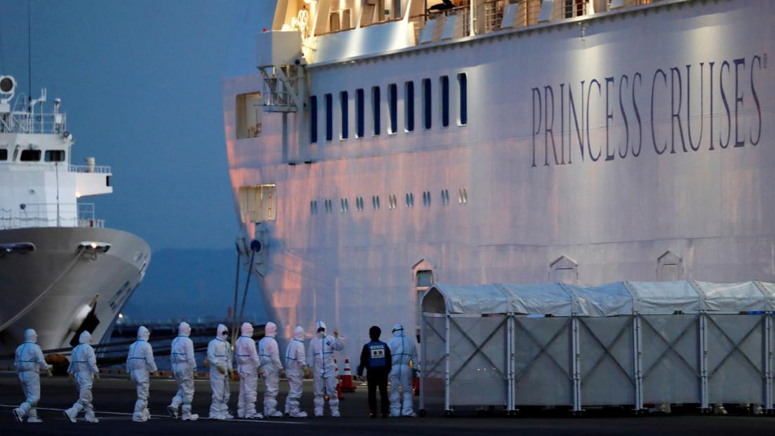 Un pasajero del crucero en cuarentena por el coronavirus se divierte publicando la comida que reciben a bordo (FOTOS)