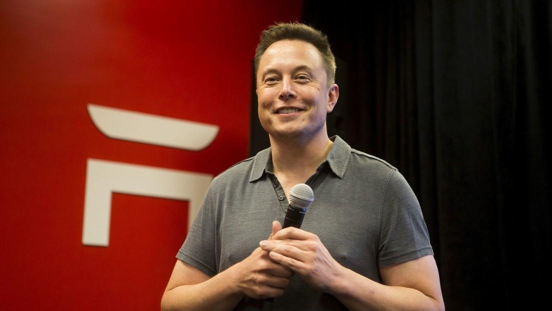 Elon Musk pide a usuarios que eliminen sus cuentas de Facebook
