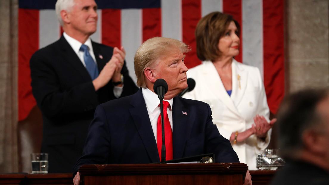 """Trump agradece a Nancy Pelosi su nivel """"récord"""" de aprobación"""