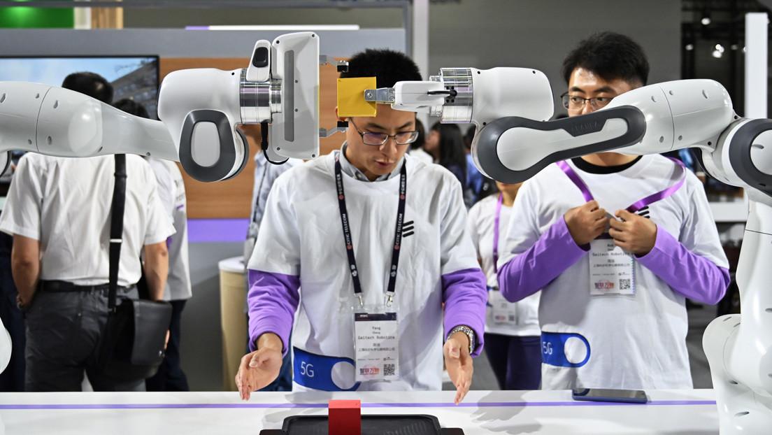 El Mobile World Congress de Barcelona 'pone en cuarentena' a China tras la retirada de importantes compañías tecnológicas