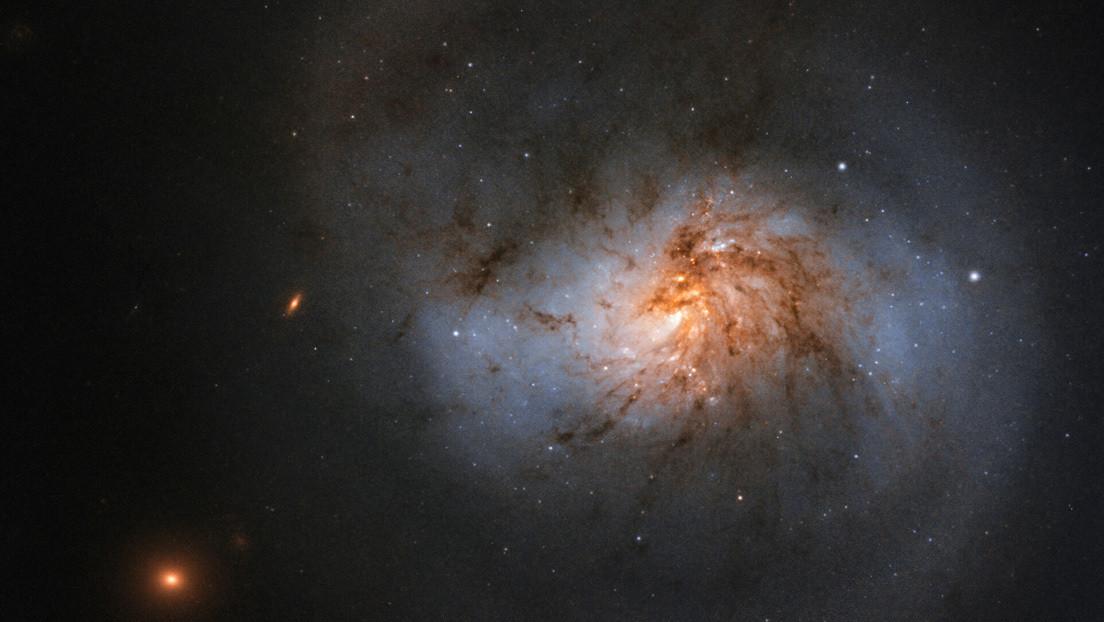 Algo en el espacio profundo emite señales de radio repetitivas en ciclos de 16 días