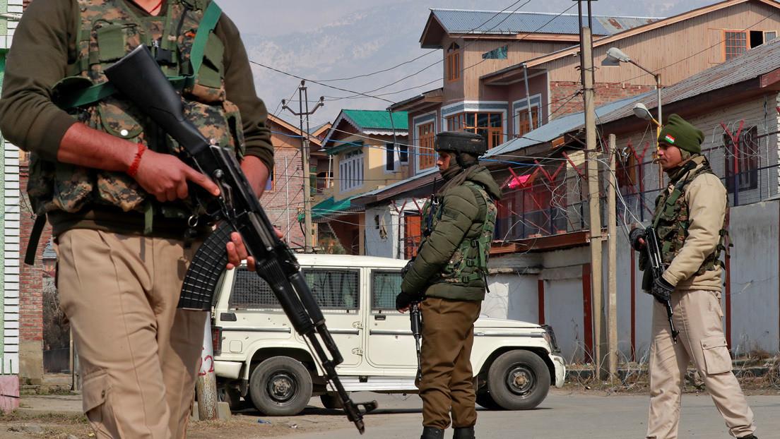 Pakistán acusa a India de violar el alto el fuego en la línea de control en Cachemira